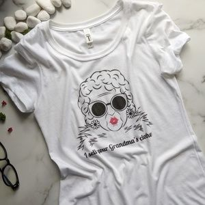 I sell your Grandma's Clothes Women's Graphic Tee